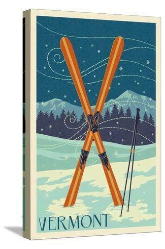 Vermont - Crossed Skis - Letterpress Bedruckte aufgespannte Leinwand