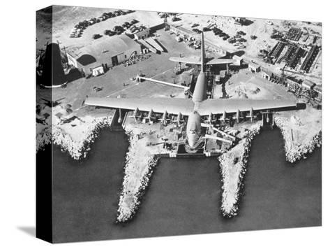 Spruce Goose Cruising Bedruckte aufgespannte Leinwand