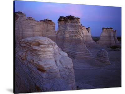The Chalk Pyramids Monument Rocks National Natural Area Kansas Usa Photographic Print Charles Gurche Allposters Com