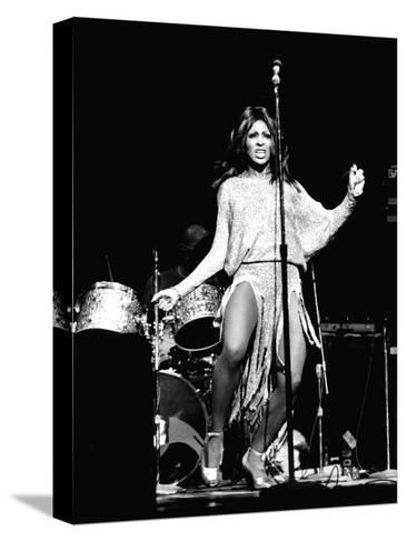 Tina Turner - 1974 Pingotettu canvasvedos