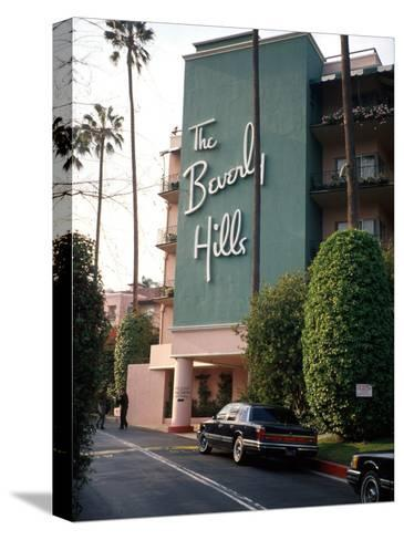 The Beverly Hills Hotel Pingotettu canvasvedos