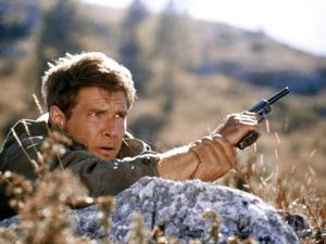 10 FROM NAVARONE, 1978 directed by GUY HAMILTON with Harrison Ford (photo)