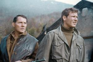 10 FROM NAVARONE, 1978 directed by GUY HAMILTON with Robert Shaw and Harrison Ford (photo)