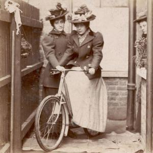 1890S Cycling Ladies