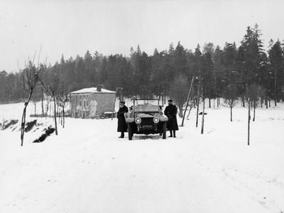 https://imgc.allpostersimages.com/img/posters/1909-rolls-royce-silver-ghost-in-snow-france-c1909_u-L-Q10LKMR0.jpg?p=0