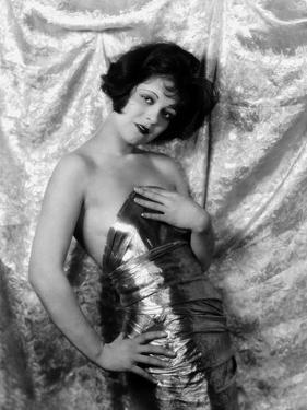 1926: Hollywood film star, Clara Bow (1905 - 1965)