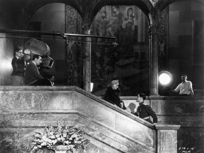 https://imgc.allpostersimages.com/img/posters/1931-director-george-fitzmaurice-greta-garbo-and-ramon-novarro-on-the-set-of-the-1931-film_u-L-Q1C106J0.jpg?artPerspective=n