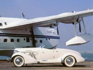 1935 Auburn 851 Speedster with Sunderland flying boat