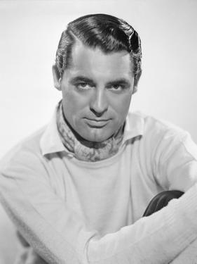 1935: British born actor Cary Grant (1904 - 1986)