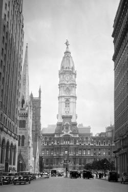 1936 View Down North Broad Street to the Philadelphia City Hall