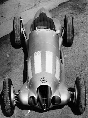 https://imgc.allpostersimages.com/img/posters/1937-mercedes-benz-w125-grand-prix-car-c1937_u-L-Q10LRKY0.jpg?p=0