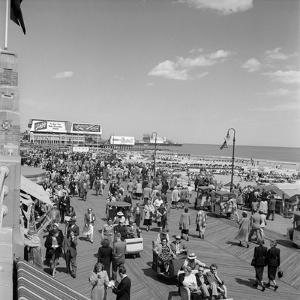 1950s Crowd People Men Women Children Boardwalk Atlantic City, NJ