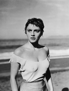 """, 1953 --- Libyan actress Rossana Podesta in the, 1953 Mexican film """"La Red"""" (Le Filet), by the Mex"""