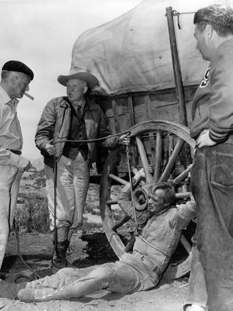 https://imgc.allpostersimages.com/img/posters/1956-the-last-wagon-on-the-set-delmer-daves-and-richard-widmark_u-L-Q1C47D00.jpg?artPerspective=n