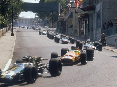 1968 Monaco Grand Prix, Jochen Rindt in Brabham leads Bruce McLaren in McLaren-Ford