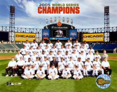 2005 White Sox World Series Champions Sit Down Team Photo