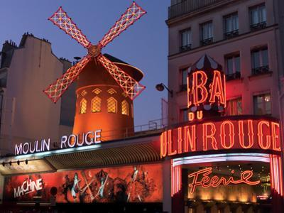 2010 Moulin Rouge night fall