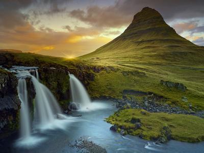 https://imgc.allpostersimages.com/img/posters/3-waterfalls_u-L-Q10PFMK0.jpg?p=0
