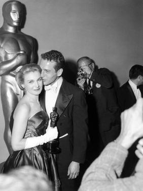 """30th Annual Academy Awards, 1957. Joanne Woodward """"The Three Faces of Eve"""" And Paul Newman"""
