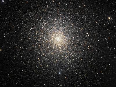 https://imgc.allpostersimages.com/img/posters/47-tucanae-ngc-104-globular-cluster-in-tucana_u-L-P6CY4N0.jpg?artPerspective=n