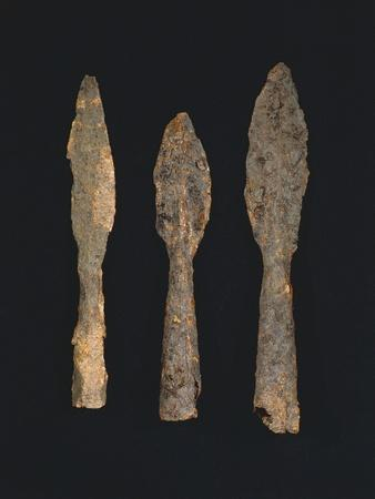 https://imgc.allpostersimages.com/img/posters/6th-7th-century-iron-spearheads-from-benevento-italy_u-L-POPOQS0.jpg?p=0