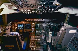 747-400 cockpit digital avionics