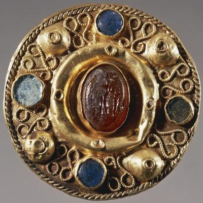 https://imgc.allpostersimages.com/img/posters/7th-century-round-shaped-gold-fibula-from-tomb-57-at-castel-trosino-italy_u-L-PRLO0S0.jpg?p=0