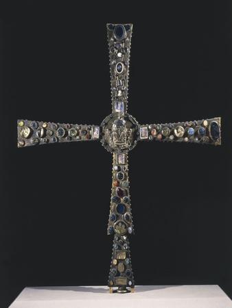 https://imgc.allpostersimages.com/img/posters/8th-century-processional-cross-known-as-desiderio-s-cross-in-wood-embellished_u-L-POPF4V0.jpg?p=0