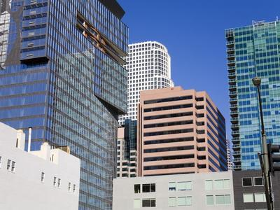 https://imgc.allpostersimages.com/img/posters/900-figueroa-tower-on-the-left-in-downtown-los-angeles-california-usa_u-L-PFNG540.jpg?p=0