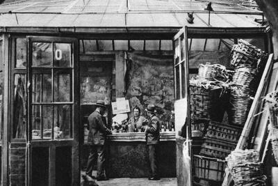 https://imgc.allpostersimages.com/img/posters/a-bar-in-the-central-market-quarter-paris-1931_u-L-PTU71F0.jpg?p=0