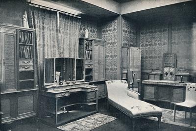 https://imgc.allpostersimages.com/img/posters/a-dressing-room-by-georges-de-feure-1868-1943-1900_u-L-Q1EFAJ60.jpg?artPerspective=n