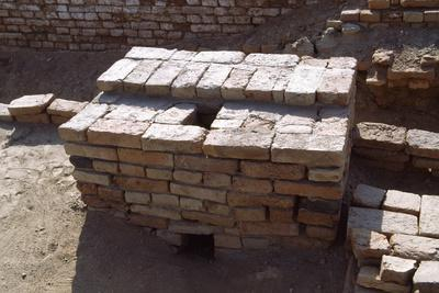 https://imgc.allpostersimages.com/img/posters/a-latrine-of-the-mohenjo-daro-archaeological-site_u-L-PPQDPD0.jpg?p=0