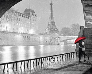 A Paris Kiss - Eiffel Tower