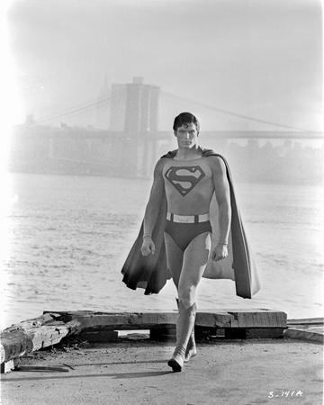https://imgc.allpostersimages.com/img/posters/a-scene-from-superman_u-L-Q117KVD0.jpg?artPerspective=n