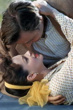 A STAR IS BORN, 1954 directed by GEORGE CUKOR with James Mason and Judy Garland (photo)