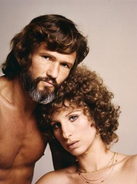 A STAR IS BORN, 1976 directed by FRANK PIERSON with Kris Kristofferson and Barbra Streisand (photo)