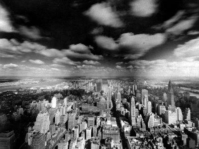 https://imgc.allpostersimages.com/img/posters/a-view-of-manhattan_u-L-Q10ON950.jpg?artPerspective=n