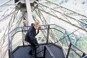 A VIEW TO A KILL, 1985 directed by JOHN GLEN with Roger Moore (photo)
