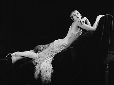 https://imgc.allpostersimages.com/img/posters/a-woman-of-affairs-1928_u-L-Q10TTQM0.jpg?artPerspective=n