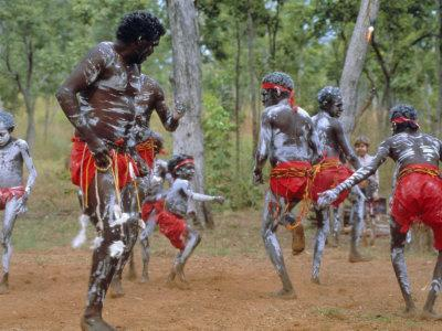 https://imgc.allpostersimages.com/img/posters/aboriginal-dance-australia_u-L-P2K66H0.jpg?artPerspective=n