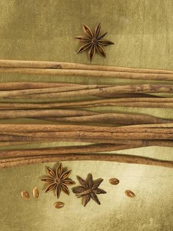 Christmas Spices (Cinnamon Sticks and Star Anise)