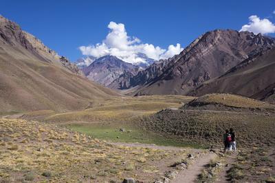https://imgc.allpostersimages.com/img/posters/aconcagua-park-highest-mountain-in-south-america-argentina_u-L-PWFHET0.jpg?p=0