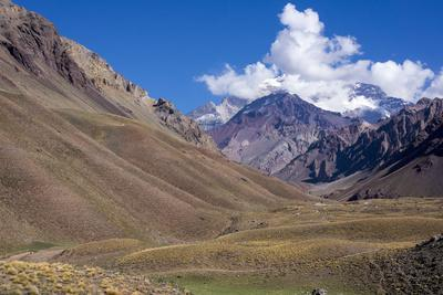 https://imgc.allpostersimages.com/img/posters/aconcagua-park-highest-mountain-in-south-america-argentina_u-L-PWFHFT0.jpg?artPerspective=n