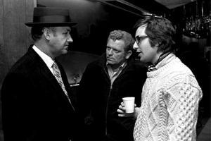 Actor Gene Hackman (l) and film director William Friedkin (r) on the set of the film The French Con