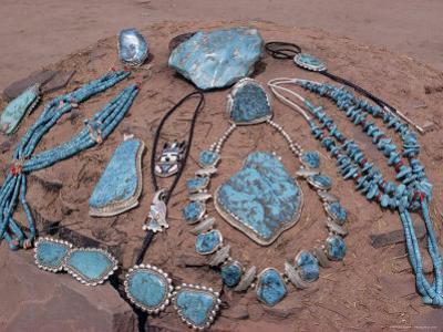 Navajo Crafts, USA by Adam Woolfitt