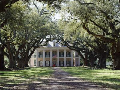 Exterior of Plantation Home, Oak Alley, New Orleans, Louisiana, USA