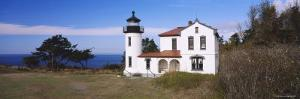 Admiralty Head Lighthouse, Admiralty Inlet, Fort Casey State Park, Whidbey Island, Washington, USA