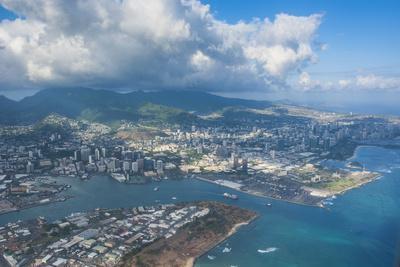https://imgc.allpostersimages.com/img/posters/aerial-of-honolulu-oahu-hawaii-united-states-of-america-pacific_u-L-PQ8Q0N0.jpg?p=0
