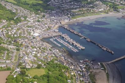 https://imgc.allpostersimages.com/img/posters/aerial-shot-of-newlyn-fishing-harbour-near-penzance-cornwall-england-united-kingdom-europe_u-L-PNGH140.jpg?p=0