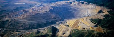 https://imgc.allpostersimages.com/img/posters/aerial-view-of-copper-mines-utah-usa_u-L-PGE6F20.jpg?p=0